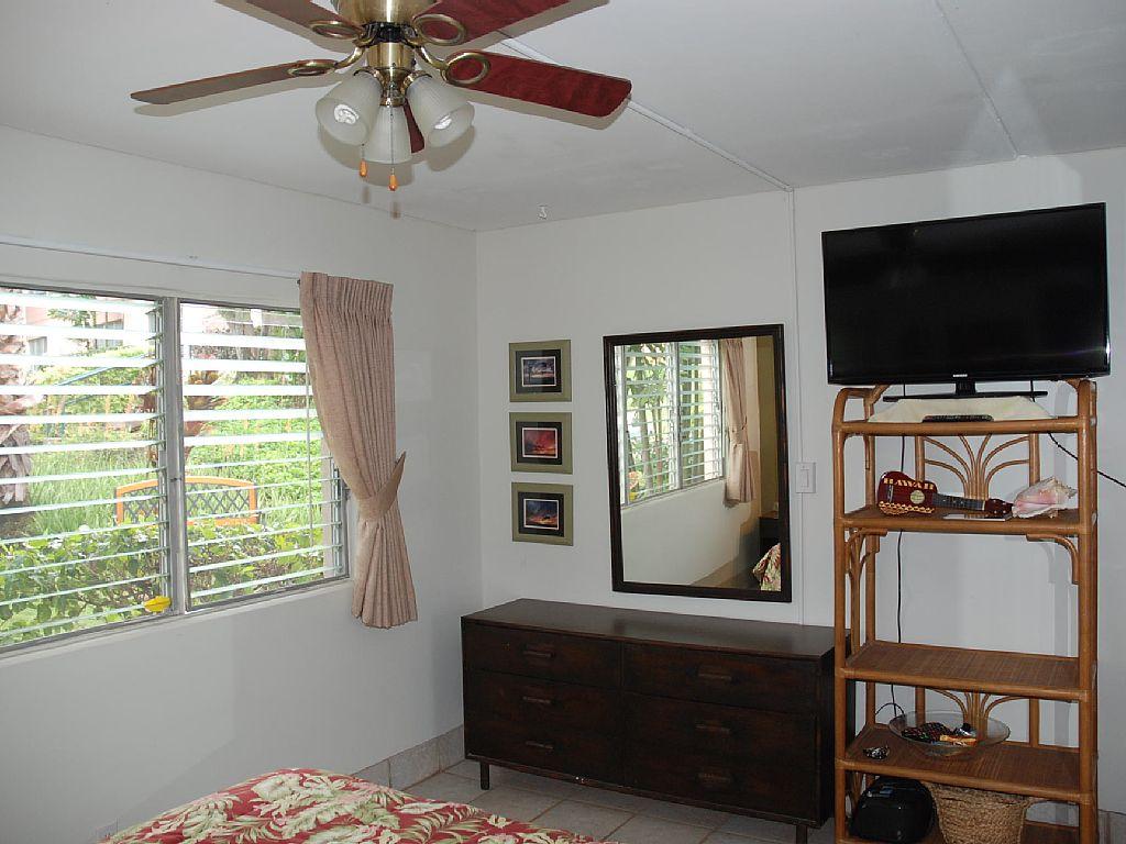 15-166-bedroom2